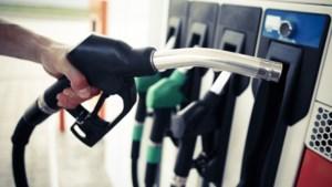 Benzine en diesel overal bijna even duur, behalve in Nederland