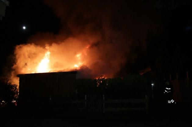 Stacaravan in brand op camping in Well