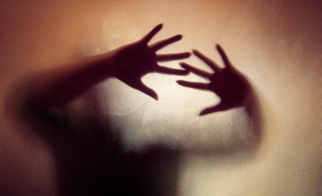 Vrouw die haar doorgedraaide man neerstak 'handelde uit zelfverdediging'