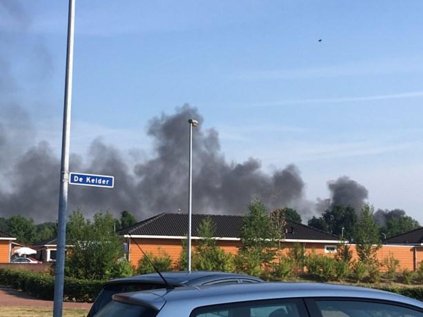 Grote brand bij bedrijf vlakbij Eindhoven Airport