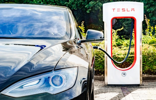 'Autofabrikant Tesla gaat fabriek bouwen in Shanghai'