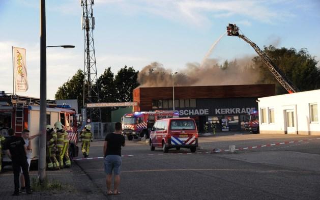 Brand bij autoschadebedrijf in Kerkrade snel geblust
