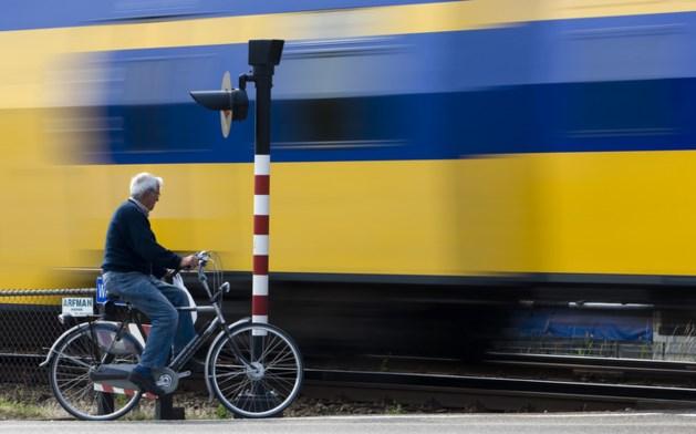 ProRail gaat binnenkort flitsen op spoorwegovergangen