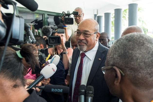 Bouterse laat OM-baas toch zitten