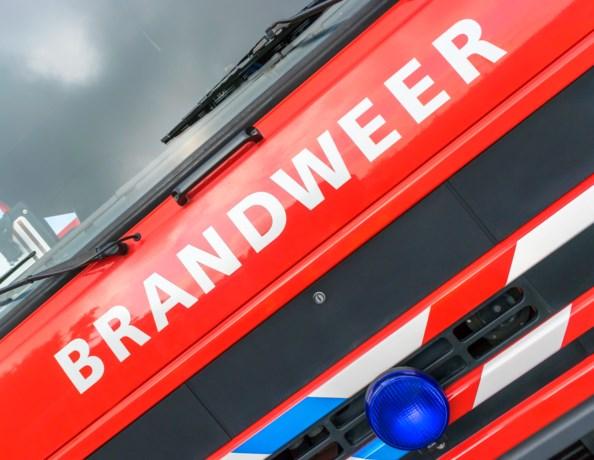 Plezierjacht in brand op Maas, opvarenden ongedeerd