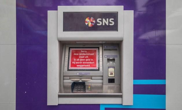 Bank en gemeente zoeken nieuwe plek voor pinautomaat