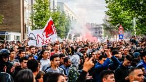 Indrukwekkend: Fans betuigen massaal steun aan Nouri