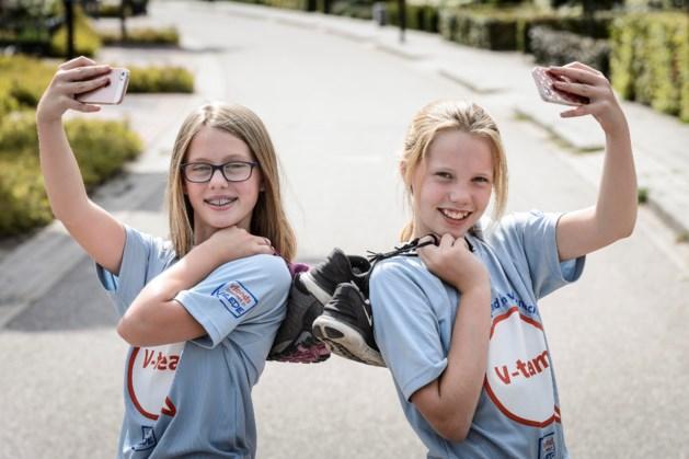 12-jarige Pleun en Imke uit Meijel lopen de Nijmeegse Vierdaagse
