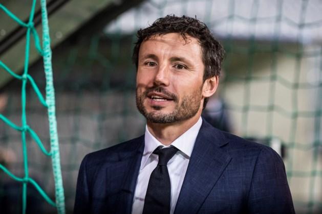 Van Bommel debuteert als coach met riante oefenzege