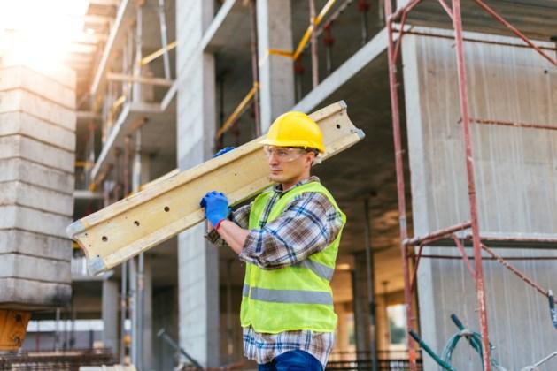 Aannemers klampen zich vast aan de bouwvak