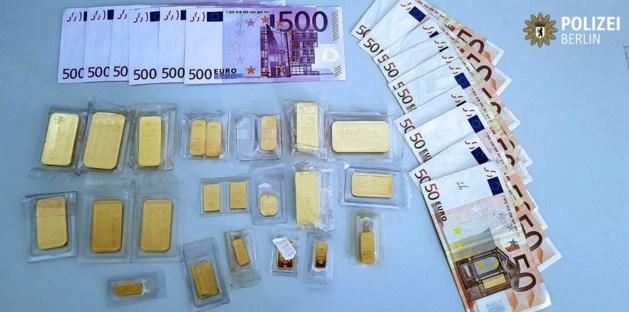 Goudeerlijke Duitser brengt goud en cash naar de politie