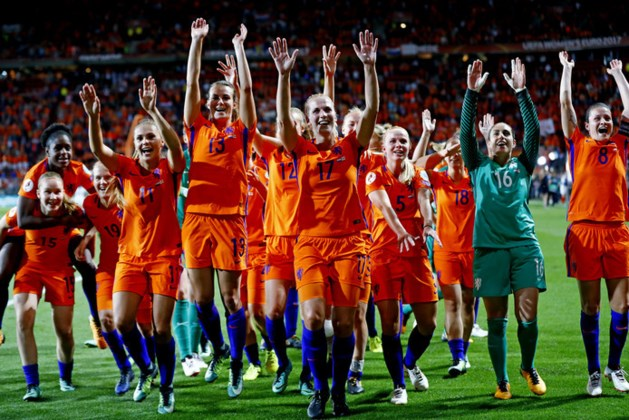 Huldiging in Utrecht als Leeuwinnen winnen