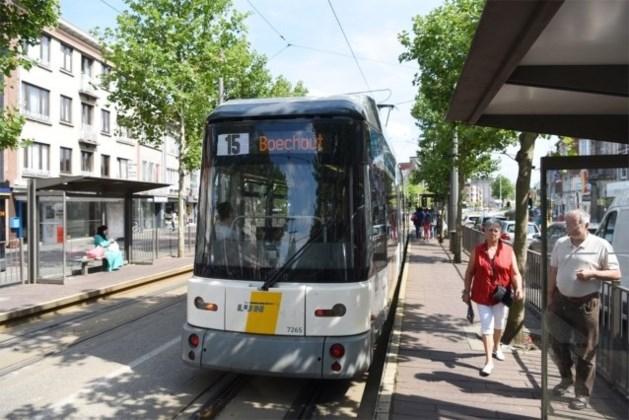 Belg (27) wordt onwel en zit zeven uur lang onopgemerkt in tram