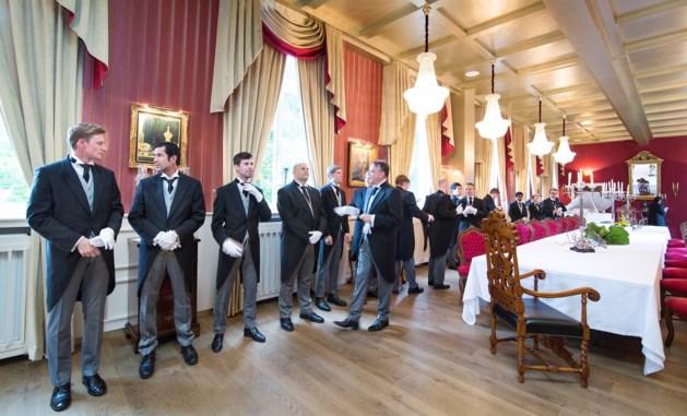 L-Magazine: zo worden butlers klaargestoomd voor het vak