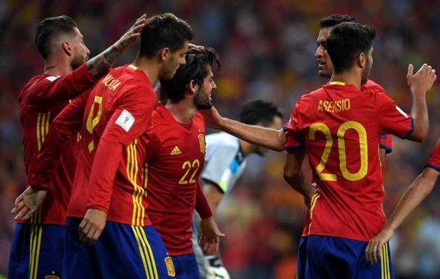 Sprankelend Spanje verslaat Italië en nadert WK
