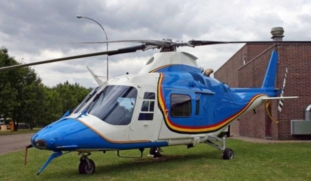 Uit helikopter gevallen piloot overleden
