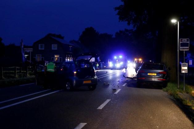 Twee gewonden na ongeluk tussen auto en motor, traumaheli opgeroepen