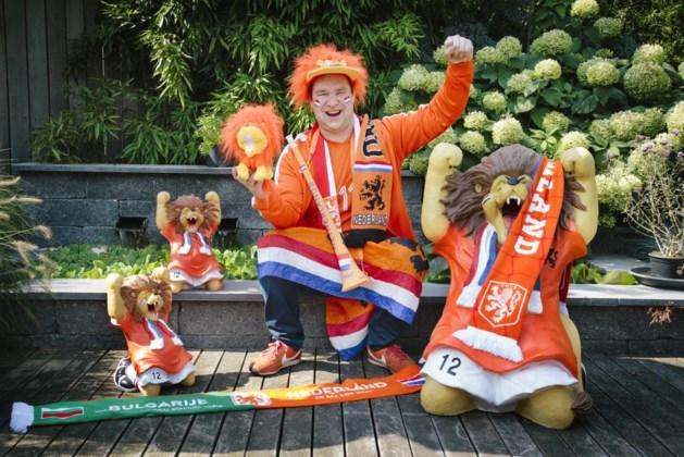 'Knettergekke' Oranjefan: liever voetbal, dan mooier huis