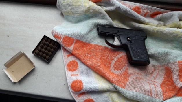 Verstopt alarmpistool gaat af in Kerkrade, bouwvakker gewond