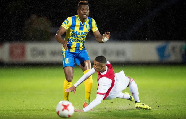 Jong Ajax nestelt zich naast MVV en Oss