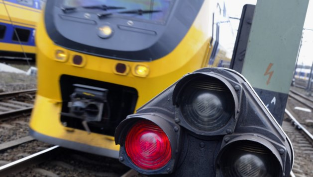 Seinstoring legt treinverkeer tussen Venlo en Tegelen lam