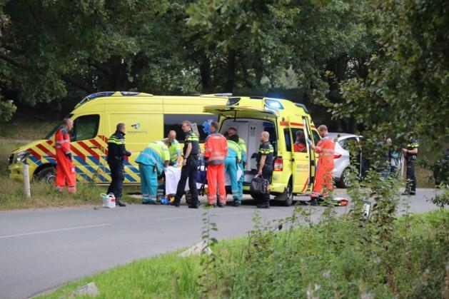 Motorrijder knalt tegen boom in Wellerlooi en raakt ernstig gewond