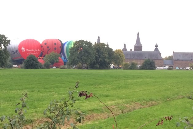 Awacs-vliegtuig met motorproblemen verpest ballonnenfestival