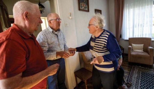 Zeventig jaar hadden ze elkaar niet meer gezien, maar ze herkenden elkaar weer meteen