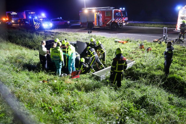 A2 richting Maastricht afgesloten na zwaar ongeluk