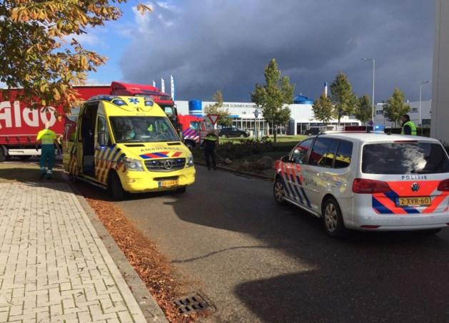 Fietsster in Sittard overleden na aanrijding met vrachtwagen