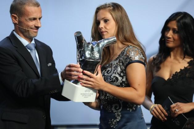 Lieke Martens kan eventuele FIFA Award niet zelf ophalen