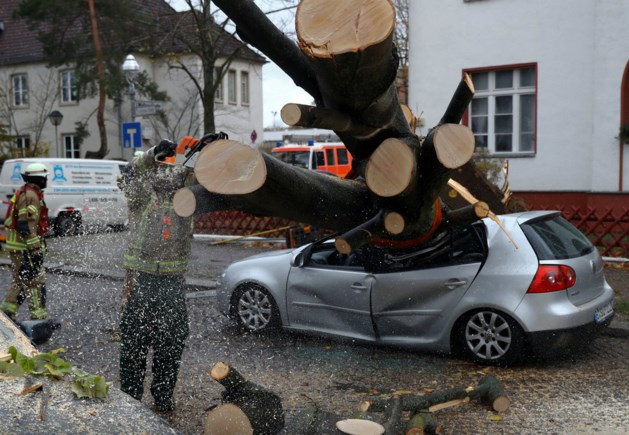 Video: Doden in Europa door krachtige herfststorm