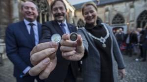 Eerste munten met Maastrichtse Servaasbrug geslagen