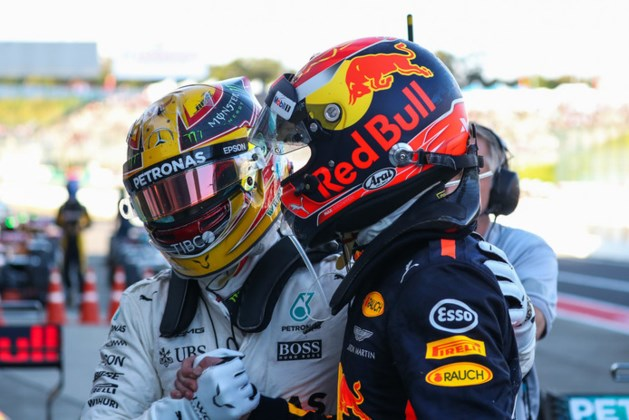 Hamilton: 'Ik moet de lat nog hoger leggen om Max voor te blijven'