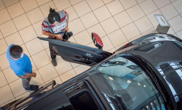 Nederlandse autoverkoop flink omhoog
