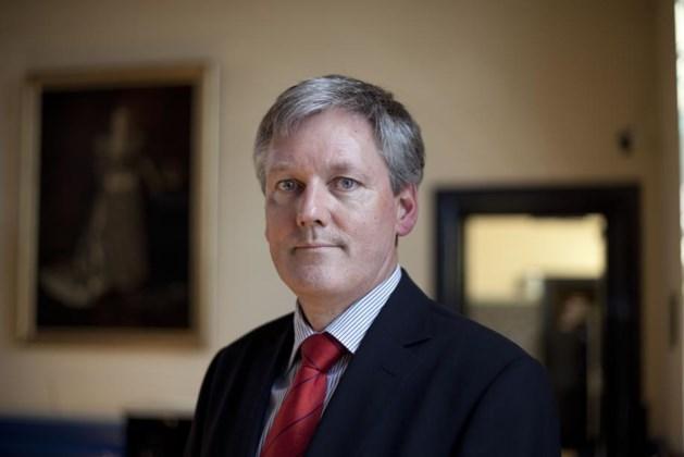 Burgemeester van Venlo schrijft mee aan proef wietteelt