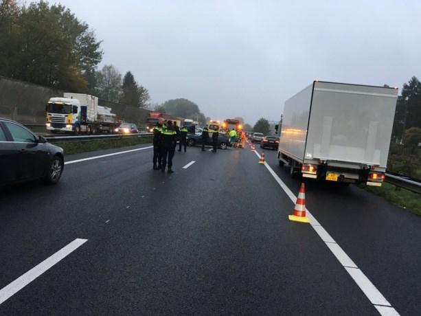 Verkeershinder op A76: ongeluk met vijf auto's