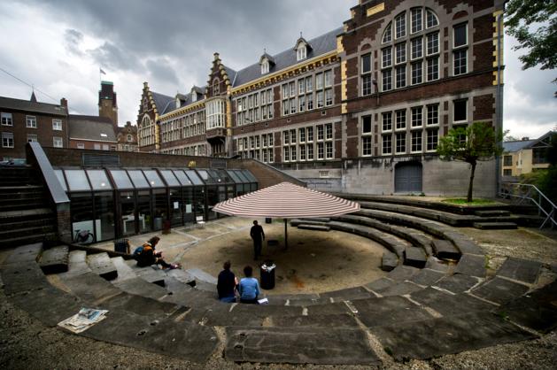Rechter: docent Toneelacademie Maastricht ging over de schreef