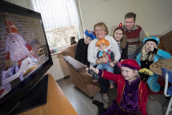 Limburgs gezin compleet in pietenpak voor de tv: Sinterklaasjournaal begint weer