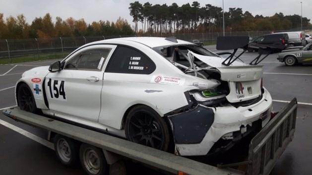 Ex-wielerprof Boonen rijdt als coureur auto in de vernieling