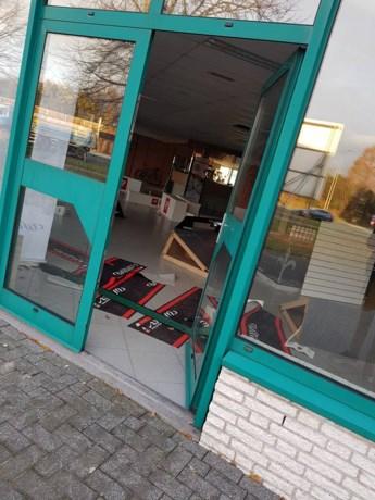 Fietsenzaak compleet leeggeplunderd: 50 peperdure fietsen weg