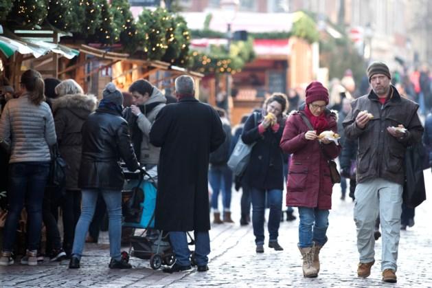 Maatregelen rond kerstmarkt Aken: kerstboom in windtunnel getest