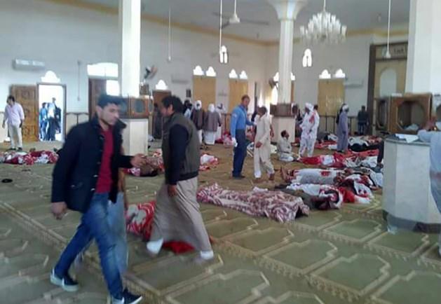 Dodental aanslag moskee Egypte loopt verder op