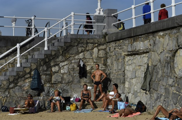 In beeld: Adonis op het strand van Gijon