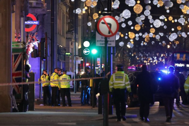 Chaos in hartje Londen: metrostation ontruimd na schoten