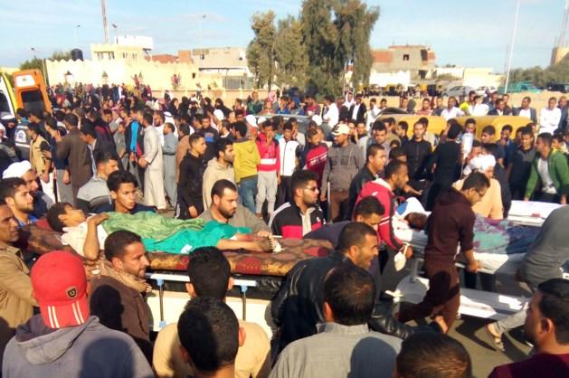 Dodental aanslag moskee Egypte boven 300