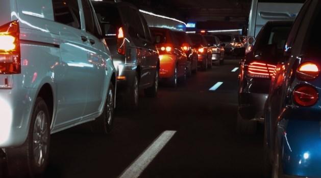 Verkeer in ochtendspits loopt op A67 vast door ongeluk
