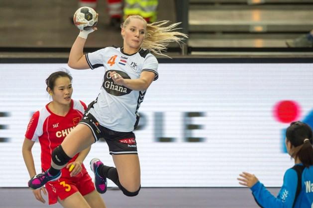 Handbalster Angela Steenbakkers vervangen tijdens WK