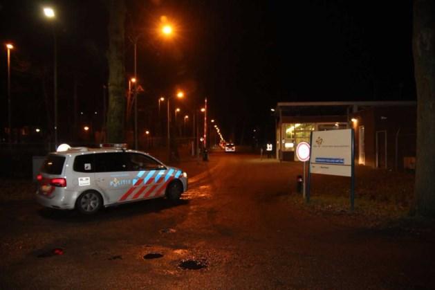 Vechtpartij in azc Overloon tussen 30 bewoners: hulpdiensten massaal uitgerukt