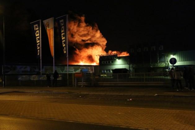 Grote brand hindert treinverkeer op Maaslijn